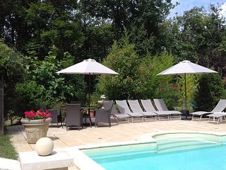4 BED GITE WITH HEATED POOL, LES EYZIES DE TAYAC, DORDOGNE