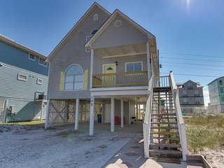 NEW LISTING! Dog-friendly house w/private pool! Dock and fishing pier available!