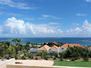 VILLA ALBACORE... Modern Family Friendly, Great Views, Full AC, and Close to Ori