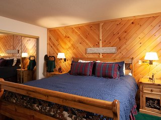Golden Summit Lodge Cabin 008