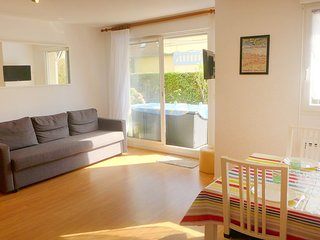 2 bedroom Apartment in Cabourg, Normandy, France : ref 5532800