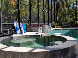 Tropical Mansion Escape (Sleeps 22)