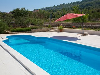Holiday House with private pool and Spacious Terraces and garden Razanj
