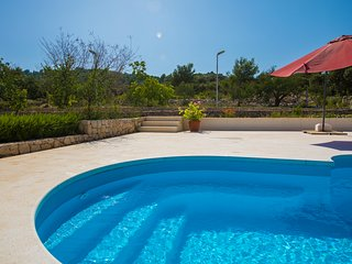 Holiday Rental Property near Sea; Private Pool Spacious Terrace & gardens Razanj