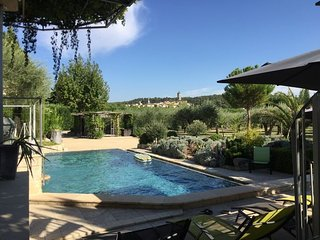 LS6-320-BELORI Beautiful provencal Mas with swimming pool in Barbentane