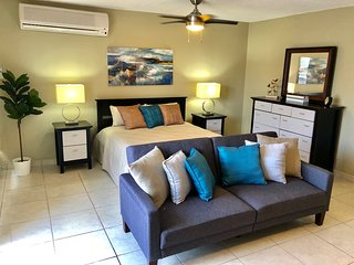 Chic Studio next to Hotels -Isla Verde Beach