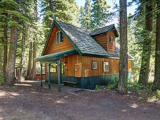 Alder Cabin - HOT TUB - 3 bedroom, 2 bath