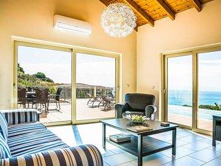 3 bedroom Villa in Ratzaklí, Ionian Islands, Greece - 5687565