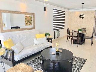 Two Bedroom unit ocean front complex-Isla Verde Beach