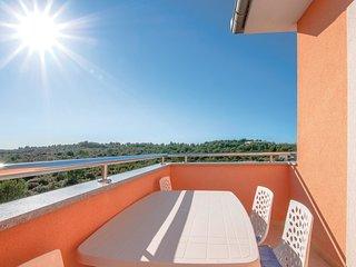 4 bedroom Apartment in Razine, Sibensko-Kninska Zupanija, Croatia : ref 5570066