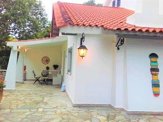 HOUSE THALASSA