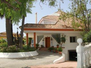 Estepona Deluxe Villa