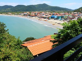Gourgeus 2 bedrooms house with sea view in Florianopolis Brazil Casa do meio