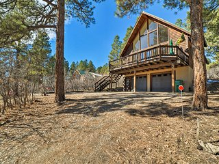 NEW! Pagosa Springs Chalet w/Mtn View-5 Mi to Town