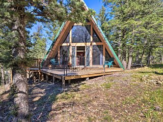 NEW! Secluded Ruidoso Cabin w/Hot Tub & Fireplace!