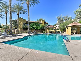 NEW! Cozy Scottsdale Condo w/Pool Access Near Golf