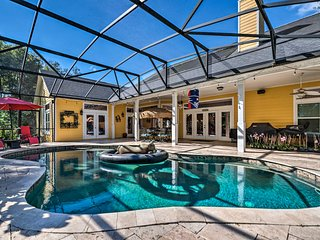 NEW! Comfortable Lake Mary Apt w/Shared Pool+Lanai