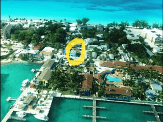 BIMINI LOFTS Fully Renovated in 2018-Across from Big Game Club-2 of 2 furnished