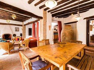Dos Tinajas · Bonita casa rustica con , piscina, barbacoa y wifi