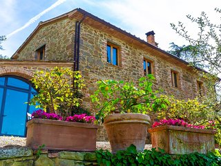 2 bedroom Apartment in La Villaccia-Monastero, Tuscany, Italy : ref 5692252