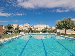 2 bedroom Villa in Torrevieja, Region of Valencia, Spain - 5673253