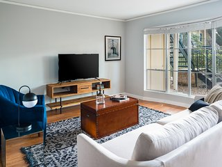 Classic 1BR in The Galleria by Sonder