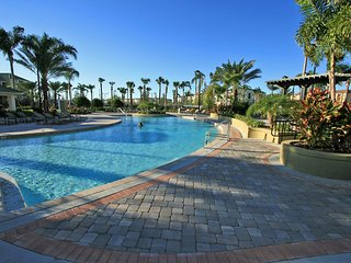 BEAUTIFUL 2BR/2BA CONDO AT VISTA CAY RESORT