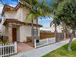 Surf (105 Ditmar) - 5 Blocks from Pier with Rooftop Deck