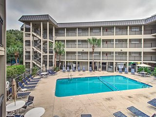 NEW! Oceanfront Coligny Area Condo-Walk to Plaza!