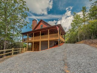 Dogwood Dream- Close to Blue Ridge and Ocoee river, New construction- Luxury 3 b