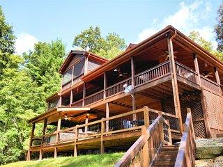 Snuggled Inn - Blue Ridge GA