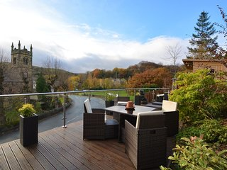 66705 House situated in Holmfirth (2mls SW)