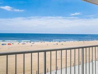 STUDIO~ OCEANFRONT~ BEACH QUARTERS RESORT~ BOARDWALK~ ROOFTOP POOL~ BOOK NOW!