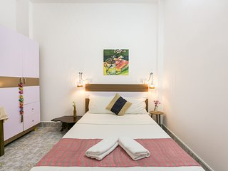 5 - Charming and cozy room in local area for foodies
