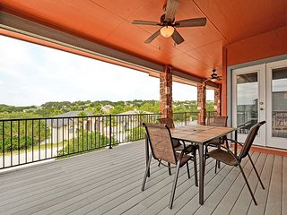 Open & Airy Lake Travis Retreat – Plenty of Outdoor Living