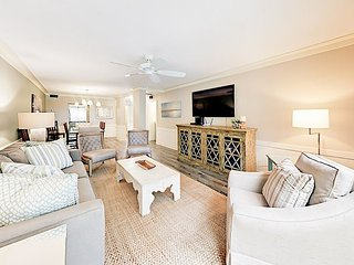 Newly Updated 2BR w/ Elegant Appointments -- Walk to Harbor, Golf & Eateries