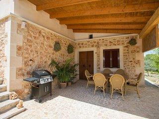 S'Alzina, villa in Felanitx for 6 people with pool, terrace & wifi