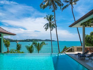 Luxury Beachfront Haileng villa