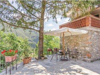 2 bedroom Apartment in Carignano, Tuscany, Italy : ref 5540301