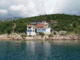 3 bedroom Apartment in Peljica, Licko-Senjska Zupanija, Croatia : ref 5689136