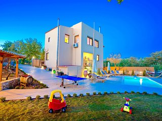 3 bedroom Villa in Armenoi, Crete, Greece : ref 5690504