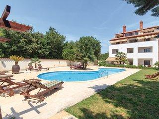 2 bedroom Apartment in Banjole, Istria, Croatia : ref 5564027