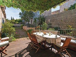 3 bedroom Villa in Milna, Splitsko-Dalmatinska Županija, Croatia : ref 5542665