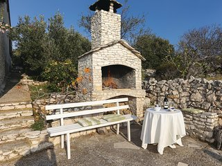 2 bedroom Villa in Zaglavice, Splitsko-Dalmatinska Županija, Croatia : ref 55627