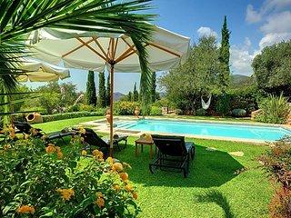 5 bedroom Villa in Mousáta, Ionian Islands, Greece : ref 5690572