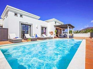 2 bedroom Villa in Playa Blanca, Canary Islands, Spain : ref 5690729
