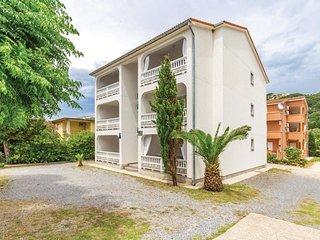 2 bedroom Apartment in Banjol, Primorsko-Goranska Zupanija, Croatia : ref 553241