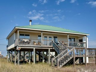 NEW LISTING! Dog-friendly seaside home w/deck, amazing views, moments from beach