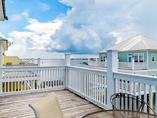NEW LISTING! Spacious townhome w/ shared pool & decks plus boat slip-near beach