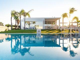 5 bedroom Villa in Lido Signorino, Sicily, Italy : ref 5691981